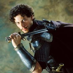 Some years ago, OldHousemate(the Rome one) and I went to the cinema to see Antoine Fuqua's King Arthur . King Arthur Movie 2004, Byronic Hero, Ioan Gruffudd, Medieval Princess, Roi Arthur, Actor Quotes, Human Pictures, Go To The Cinema, Gatos