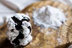 Chocolate crinkle cookies - Broma Bakery