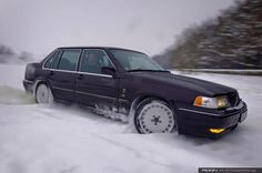 Volvo S90, frolicking in the snow
