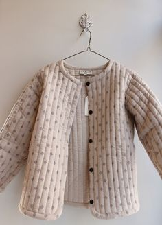 Pin by Jannekee van der Marel on kinderkleding in 2019 Slow Fashion, Kids Fashion, Fashion Design, Girl Outfits, Cute Outfits, Quilted Jacket, Little Girl Dresses, Mode Inspiration, Kind Mode