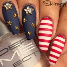 Looking for cool, all-American ideas for your of July nail designs? We've got 20 awesome nail art designs to show off your patriotism this Independence Day! Of July Nail Designs Seasonal Nails, Holiday Nails, Christmas Nails, Nail Art Designs, Gel Designs, Nails Design, Diy Nails, Cute Nails, Fancy Nails