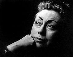 10 grandes poetas feministas latinoamericanas | COLAREBO