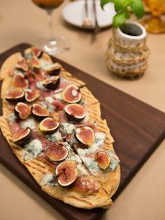 Fig, Prosciutto, and blue cheese pizza from Dinner at Tiffani's