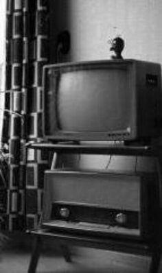 Het tv meubel heb ik nog heel lang gehad, spijt dat het weg is, mooi Danish design.