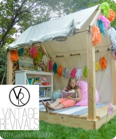 28 DIY Reading Nook Playhouse for Summer: DIY outdoor play area ideas for summer and kids play house/tent ideas. Outdoor Activities for kids