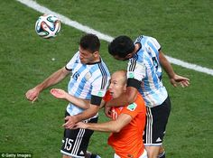 Swamped: Argentina's defenders crowded Robben out whenever the ball went near him.레드9카지노 훌라잘하는법 코리아블랙잭 레드9카지노 훌라잘하는법 코리아블랙잭 레드9카지노 훌라잘하는법 코리아블랙잭 레드9카지노 훌라잘하는법 코리아블랙잭