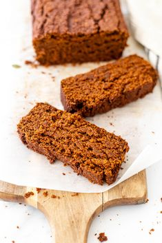 Take a big bite out of the best gluten free pumpkin bread. If you only make one pumpkin recipe this fall, it needs to be this vegan pumpkin bread! #pumpkinbread #veganpumpkinbread #healthypumpkinbread #pumpkinrecipes #veganpumpkinrecipes Best Pumpkin Bread Recipe, Gluten Free Pumpkin Bread, Healthy Pumpkin Bread, Pumpkin Recipes, Fall Recipes, Gluten Free Recipes For Breakfast, Vegan Dessert Recipes, Gluten Free Desserts, Plant Based Snacks