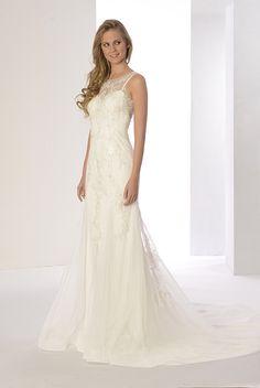 Luce el estilo boho chic más especial con el Vestido de novia Perla de #innovias  en tul bordado y transparencias. https://innovias.wordpress.com/2016/11/02/tips-innovias-para-una-boda-boho-chic/