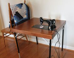 Singer Featherweight Reproduction Folding Sewing Tables & Travel Bags
