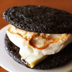:: dark chocolate cookie s'more ::