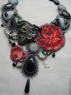 Купить Розы - черный, колье с розами, колье с агатами, агат чёрный, кристаллы сваровски (swarovski)