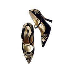 DOLCE GABBANA ❤ liked on Polyvore featuring shoes, pumps, heels, sapatos, footwear, heels & pumps, dolce&gabbana, dolce gabbana pumps and dolce gabbana shoes
