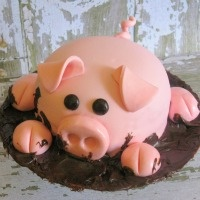 @Julie Neel...Pig Cake.  That is SOOOO cute!!!  My hub loves bacon, but not cake...maybe this would be a happy compromise!