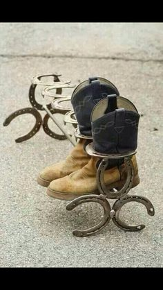 Cowboy boot rack