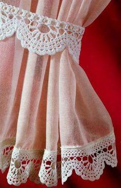Hermoso borde, tejido con hilaza mercerizada