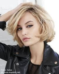 A Short Blonde hairstyle From the Join The Club Collection by Fabio Salsa Chin Length Haircuts, Chin Length Bob, Medium Hair Styles, Curly Hair Styles, Chin Length Hair Styles For Women, Hair Medium, Short Hair With Layers, Short Blonde, Short Haircut