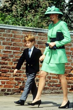 princess diana george's chapel | July 18, 1992: Princess Diana and her son Prince ... | Princess Diana