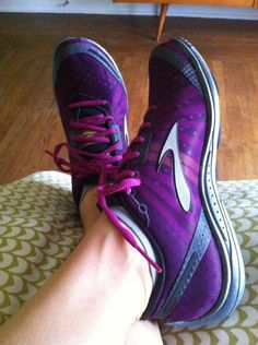 Coach Nicole's Fit Summer Picks: Everything from shoes to foods to songs | via @SparkPeople