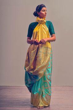 Saree Wearing Styles, Saree Styles, Ethnic Fashion, Indian Fashion, Lengha Blouse Designs, Drape Sarees, Hand Painted Sarees, Modern Saree, Stylish Sarees