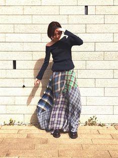 またスカートだ。明日はパンツ履こうかな。
