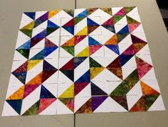 result for Half Square Triangle Quilt Patterns Half Square Triangle Quilts Pattern, Charm Square Quilt, Charm Quilt, Half Square Triangles, Triangle Design, Colchas Quilting, Scrappy Quilts, Mini Quilts, Quilting Projects
