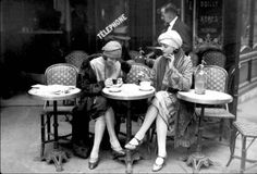 Cafe et Cigarette Paris, 1925