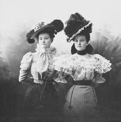 "yesterdaysprint: "" Miss Sibley and Miss Huston, Junction City, Kansas, 1897 "" 1890s Fashion, Edwardian Fashion, Steampunk Fashion, Vintage Fashion, Edwardian Clothing, Steampunk Cosplay, Vintage Photos Women, Vintage Photographs, Vintage Ladies"