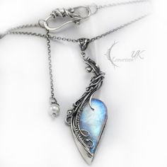 ENIRGMALH - silver , moonstone , pearl by LUNARIEEN necklace