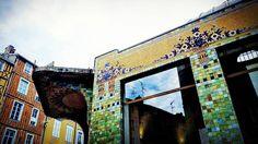 #Limoges : #détail du #pavillon du #Verdurier #ArtDéco (1919) par Roger Gonthier (futur architecte de la Gare des Bénédictins). Inscrit #MonumentsHistoriques. Halle unique (400 m2) de plan octogonal en béton armé recouvert de mosaïques & grès cérame.  Autrefois pavillon frigorifique  il avait été construit afin de stocker la viande congelée importée d'Argentine largementconsommée pendant la 1ère Guerre Mondiale et ainsi briser le monopole exercé par les familles de la rue de la boucherie…
