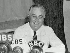 4 - ROOSEVELT & LE NEW DEAL (Série - La crise des années 30) L'élection de Roosevelt. Ses actions énergiques de réorganisation des secteurs bancaires et industriels. Sapolitique de grands travaux et de relance de l'économie. Le New Deal. La création d'une Sécurité sociale. Lebilan de Roosevelt: l'amélioration de la situation de l'économie et d'importantes transformations de la société américaine.