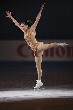 Ice Skating, Figure Skating, The Sporting Life, Ice Girls, Ice Dance, Women Figure, Beautiful Asian Girls, Asian Beauty, Gymnastics