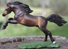 Breyer custom stablemate mustang