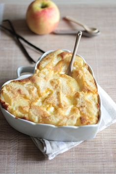Flan tout léger aux pommes : changer farine, lait et beurre et on a du lactose & gluten free :)