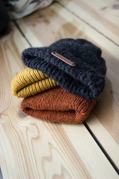 DIY: VAUVALLE/TAAPEROLLE PIPOJA Knitting For Kids, Baby Knitting Patterns, Knitting Projects, Crochet Patterns, Drops Design, Baby Accessories, Baby Hats, Beanie Hats, Mittens