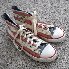 American Flag Converse Vagabond High Top Sneakers Size 7.5 (women's) Converse High Tops in a fun American flag print! In great condition and still need to be broken in (slightly stiff). The stripes are a soft red and cream color (not dirty), instead of bright red & white. Shoelaces are new and a cream color but those can be replaced. I'm normally an 8, 8.5 in shoes but sized down because these ran slightly big. Converse Shoes Sneakers