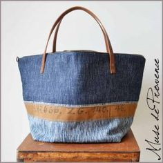Recycle Jeans, Upcycle, Jean Crafts, Denim Bag, Bijoux Diy, Purses And Bags, Recycling, Pouch, Handbags
