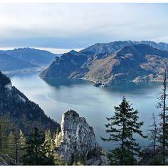 High above lake #traunsee 😍⛰ . #traunstein #naturfreundesteig #kraxln #gmunden #upperaustria #salzkammergut #austria #bergsteigen #hiking #wanderlust  #mountains #whataview #goplayoutside #autumnvibes #police_landscapes #total_reflections #tree_shotz #tree_magic Side, Wanderlust, Mountains, Nature, Travel, Mountain Climbing, Naturaleza, Viajes, Destinations