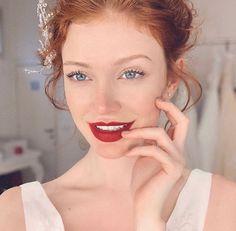 Crimson Red Hair, Red Orange Hair, Beautiful Red Hair, Gorgeous Redhead, Michelle Instagram, Avengers Girl, Girls With Red Hair, Hair Girls, Freckles Girl