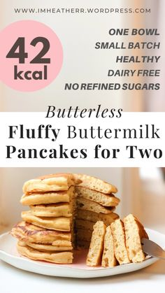 Butterless Fluffy Buttermilk Pancakes for Two - imheatherr! - Butterless Fluffy Buttermilk Pancakes for Two – imheatherr! Low Calorie Pancakes, Pancakes Vegan, Pancakes For Two, Pancake Calories, No Calorie Foods, Low Calorie Recipes, Healthy Recipes, Low Calorie Banana Bread, Healthy Low Calorie Breakfast
