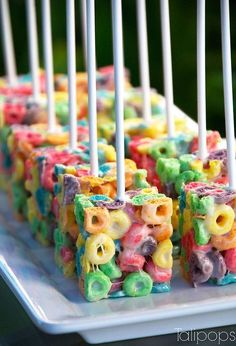 45 sweet ideas for the rainbow party - Ostern Backen - Doces Snacks Für Party, Party Treats, Candy Themed Party, Fruit Snacks, Fruit Loop Treats, Candy Land Theme, Diy Snacks, Fruit Party, Party Cakes