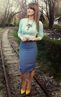 Pencil skirt thin textured sweater statement necklace heels color office