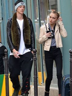 Could this be Lily Rose Depp's new boyfriend? Lily Rose Depp Style, Lily Rose Melody Depp, Tan Jacket, Bomber Jacket, Leather Jacket, Lily Depp, Ash Stymest, 90s Girl, Young Actresses