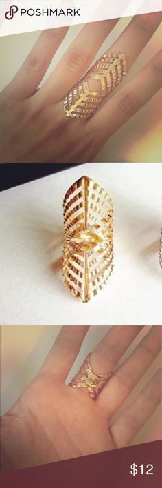 HP🎉SALE❗️Gold Statement Ring YAY! HOST PICK✨🎉 Beautiful gold colored fashion ring. Brand new, only worn once to test out! Super comfortable to wear without any pinching or poking. And adjustable! Very light to wear. Such a unique statement piece! All purchases or bundles also come with same day shipping and a surprise gift! Jewelry Rings