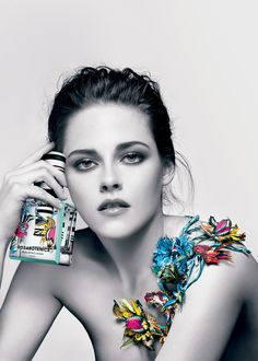 I really can't stand Kristen Stewart, but this is a gorgeous ad for Balenciaga. she looks really nice. Kristen Stewart for Balenciaga Rosabotanica Kristen Stewart Hair, Kirsten Stewart, New Fragrances, Fragrance Parfum, Balenciaga Spring, Christy Turlington, Anuncio Perfume, Boutique Parfum, Vogue Covers
