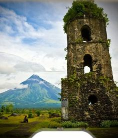 Mt. Mayon with Gogsawa Bellfry.