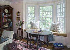 """Alternate arrangement for bay window 
