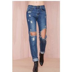 Boyfriend Jeans NWT Never worn, brand new boyfriend jeans from Nasty Gal. The brand is Signature8. Very comfortable & amazing quality. NEW WITH TAGS. make an offer! Nasty Gal Jeans Boyfriend