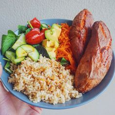 """rawganicwithtahlia: """" WHAT I EAT IN A DAY VIDEO IS NOW UP (link in bio)  it includes this delicious combo that I've been eating quite often for dinner (including right now ) """""""