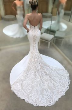 Sexy mermaid wedding dresses white and ivory Court Train Long bridal Gowns Satin Sheer with Floral Applique Wedding Gowns Long Gown For Wedding, Strapless Lace Wedding Dress, Wedding Dresses For Kids, Wedding Dress Train, Lace Mermaid Wedding Dress, Perfect Wedding Dress, Mermaid Dresses, Dream Wedding Dresses, Bridal Dresses