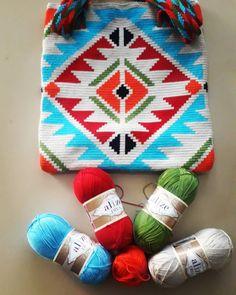 C2c Crochet, Crochet Tote, Crochet Handbags, Tapestry Bag, Tapestry Crochet, Tribal Patterns, Crochet Patterns, Tapete Floral, Knitted Bags